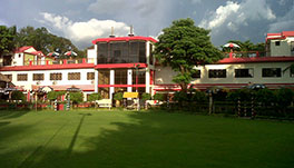 Palm Village Resort - Sunny View Main Lawn